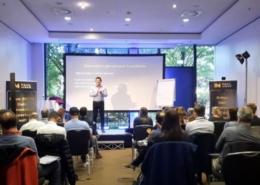 Immobilieninvestor Paul Misar beim Seminar in München